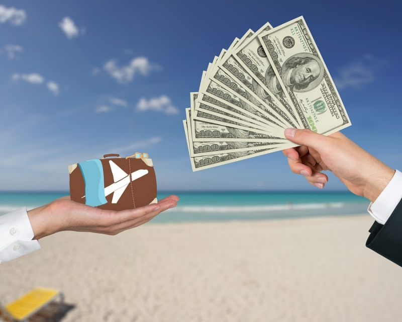 Tips To Save Money While Travelling
