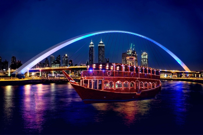 Dhow Cruise In Dubai: A Guide To The Best Way Of Touring The Bustling Emirate
